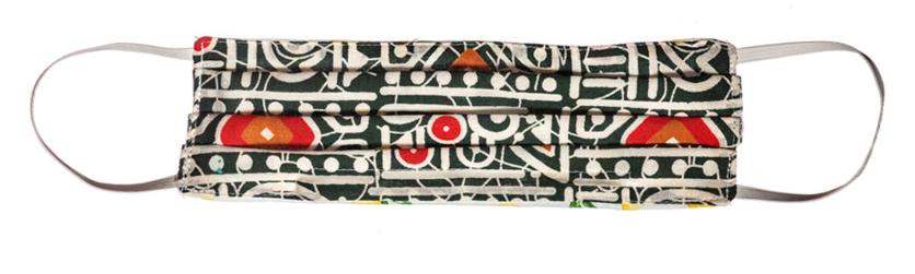 Imagen que muestra una mascarilla o cobrebocas casero decorado.